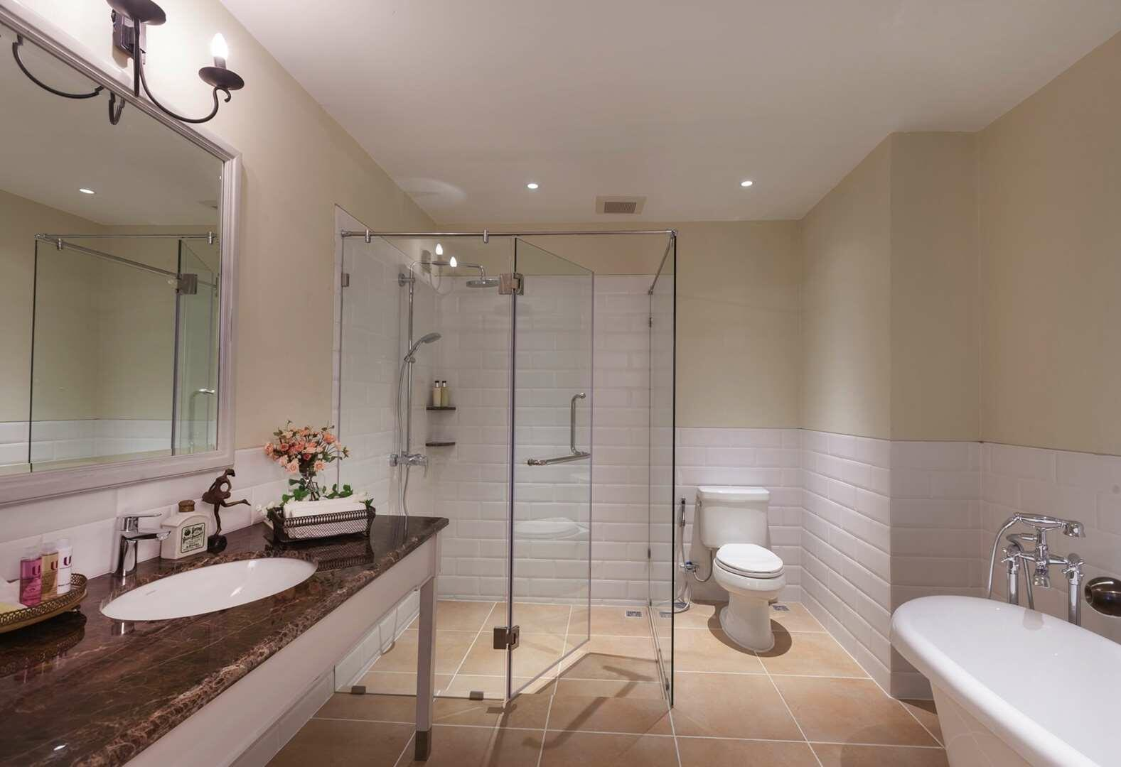 U Khao Yai Suite Bathroom
