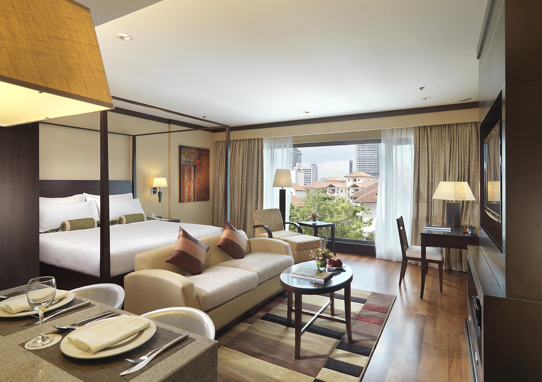Luxurious accommodation equipped with the finest facilities, con