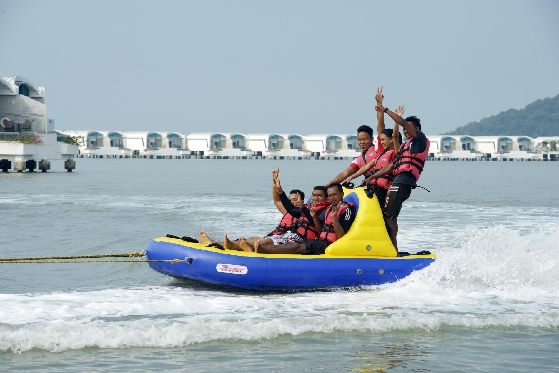 Beach Banana Boat | Outdoor Facilities | Lexis Hibiscus Port Dic