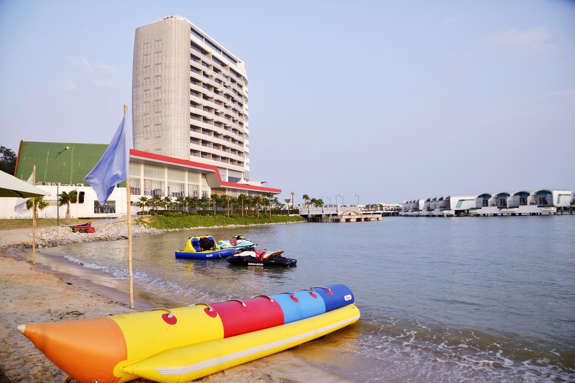 Beachside | Outdoor Facilities | Lexis Hibiscus Port Dickson