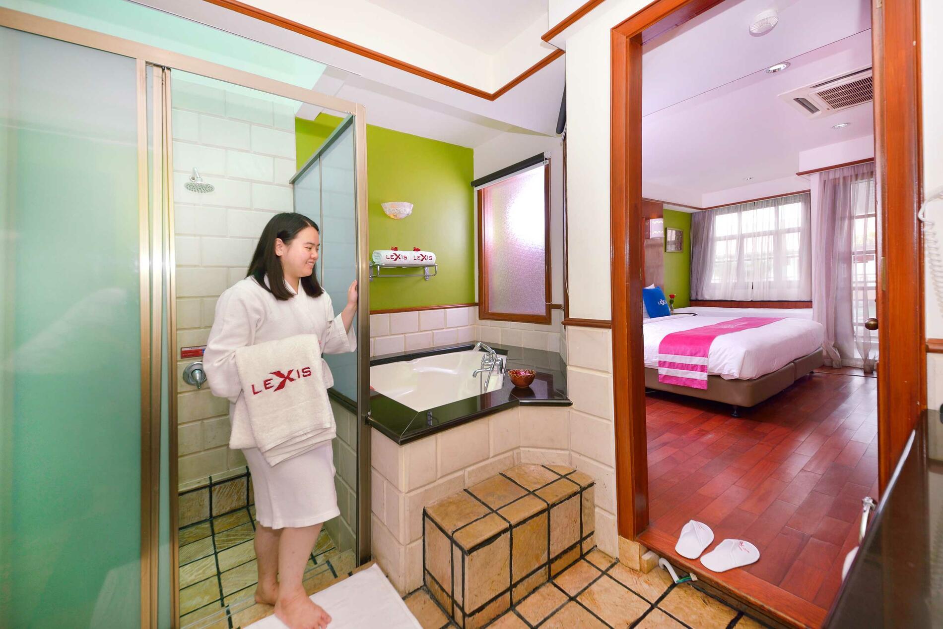 Lexis Port Dickson Deluxe Water Chalet | Lexis Hotel Port Dickso