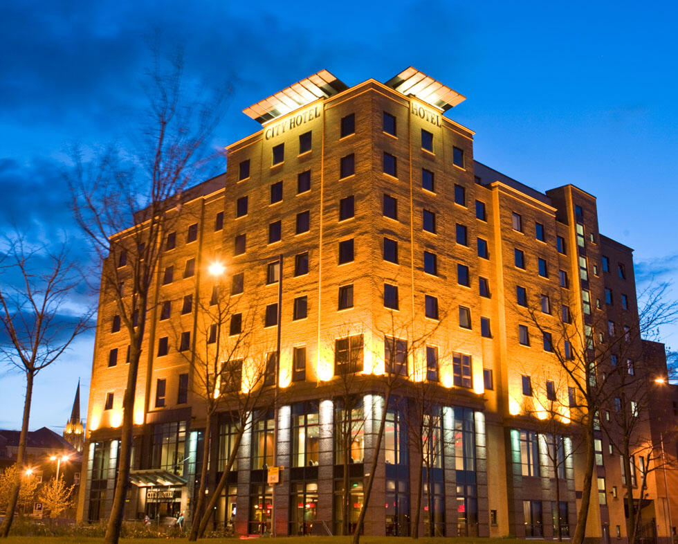 Exterior Of City Hotel Derry
