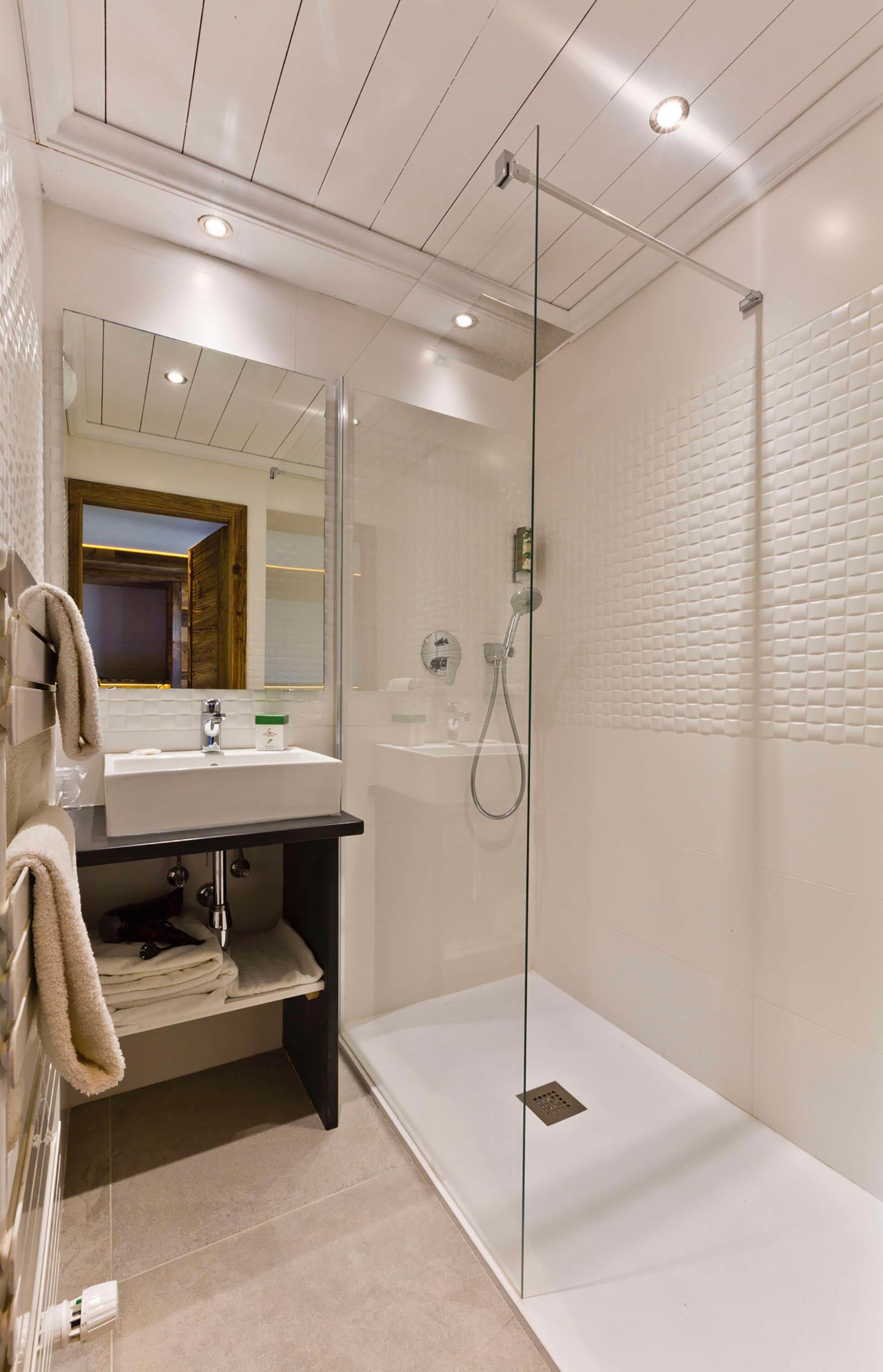 Salle de bains de la Chambre Standard de Les Gentianettes, The O