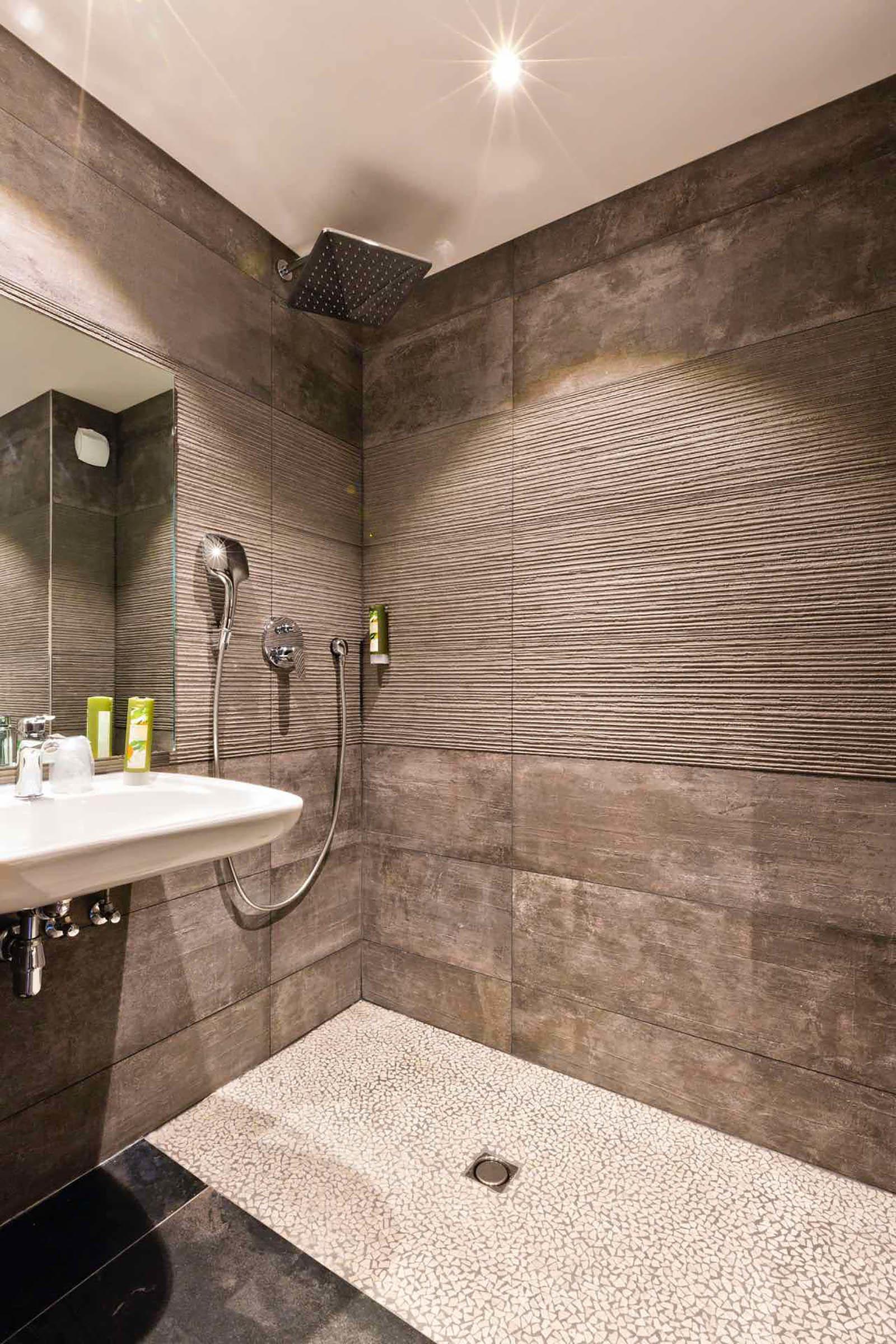 Salle de bain de la Chambre Standard de Les Gentianettes, The Or