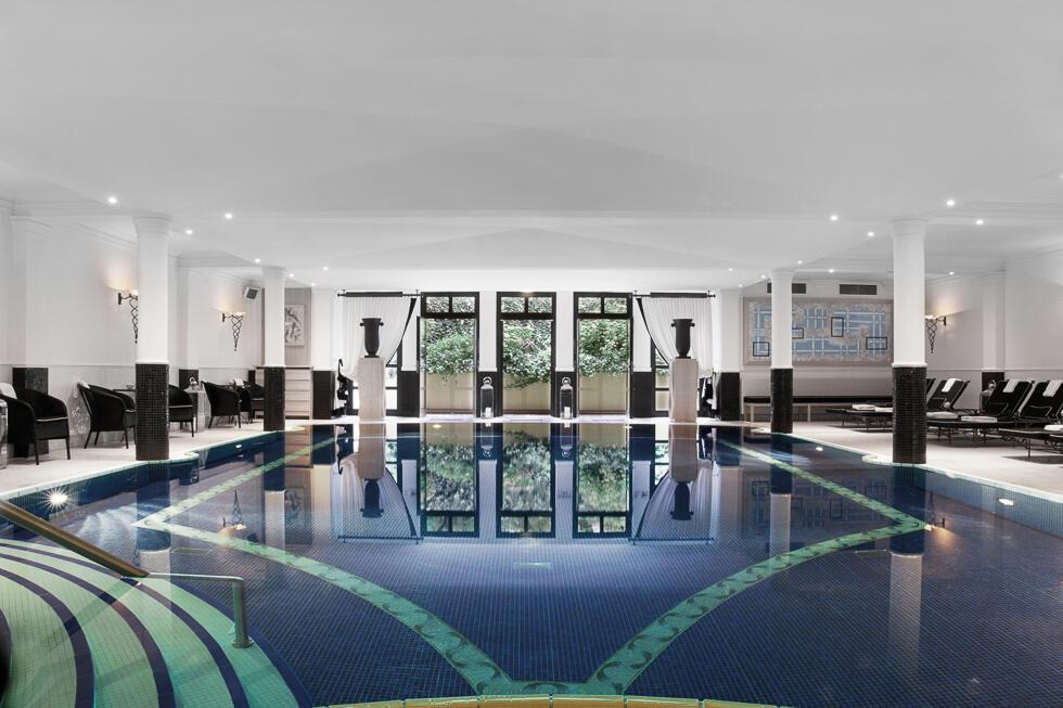 Hotel Pool - Patrick Hellman Schlosshotel