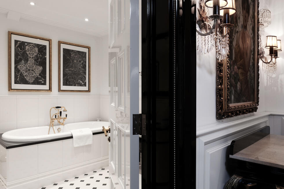 Premium Plus Boheme Bathrioom - Patrick Hellman Schlosshotel