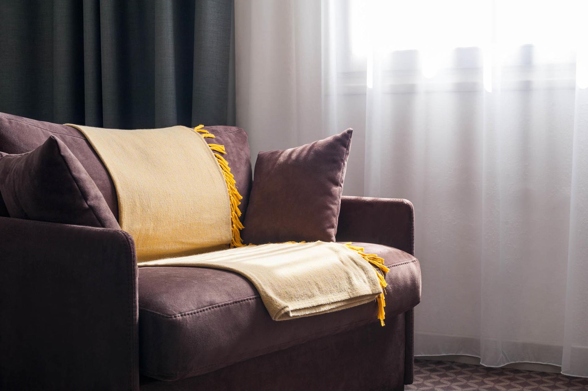 fauteuil de la chambre junior suite à l'hôtel Clos St Elois, Th