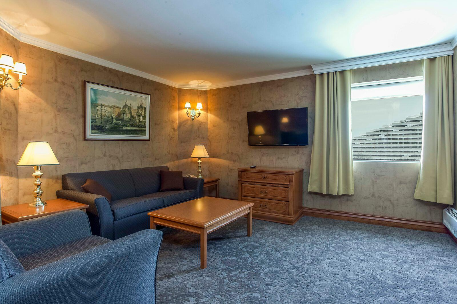 Executive Suite living room.