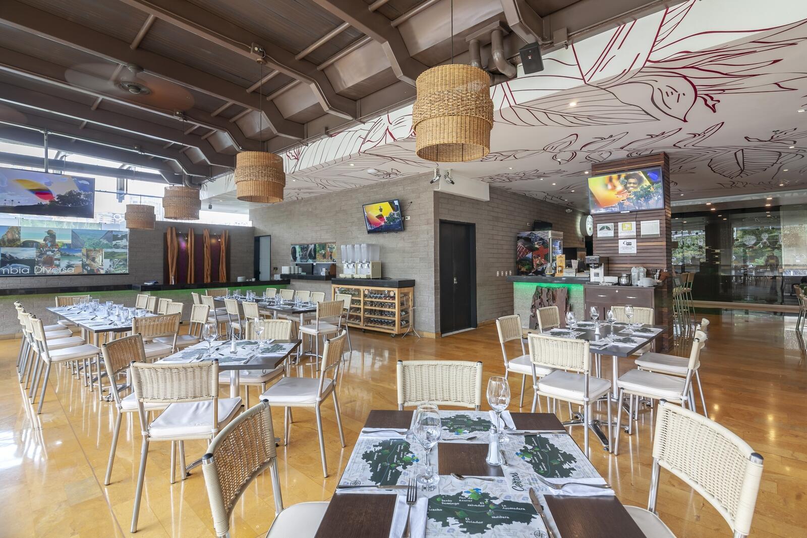 Diez Hotel Restaurant