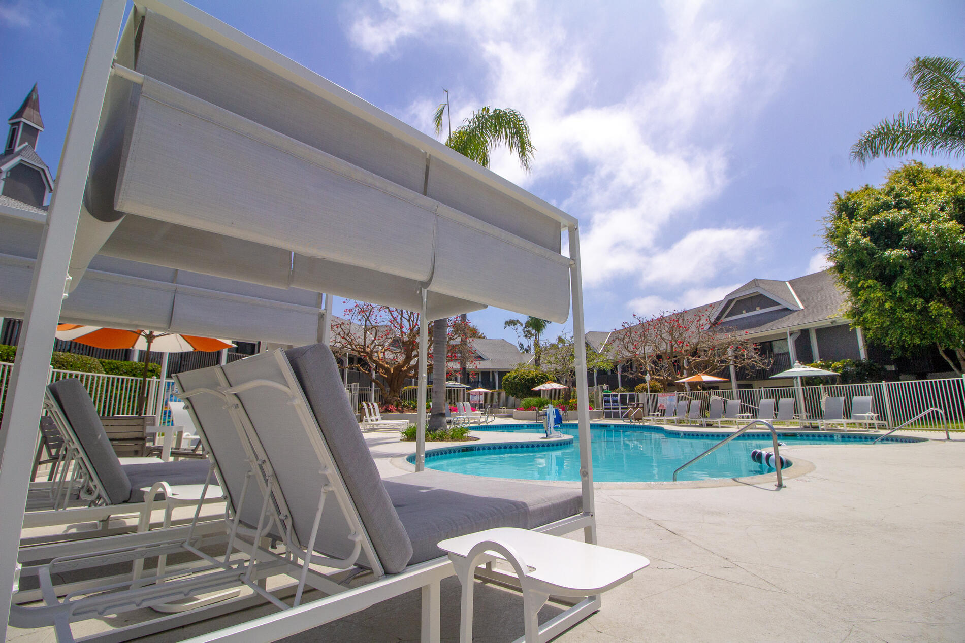 Carlsbad by the sea pool and lounge chairs