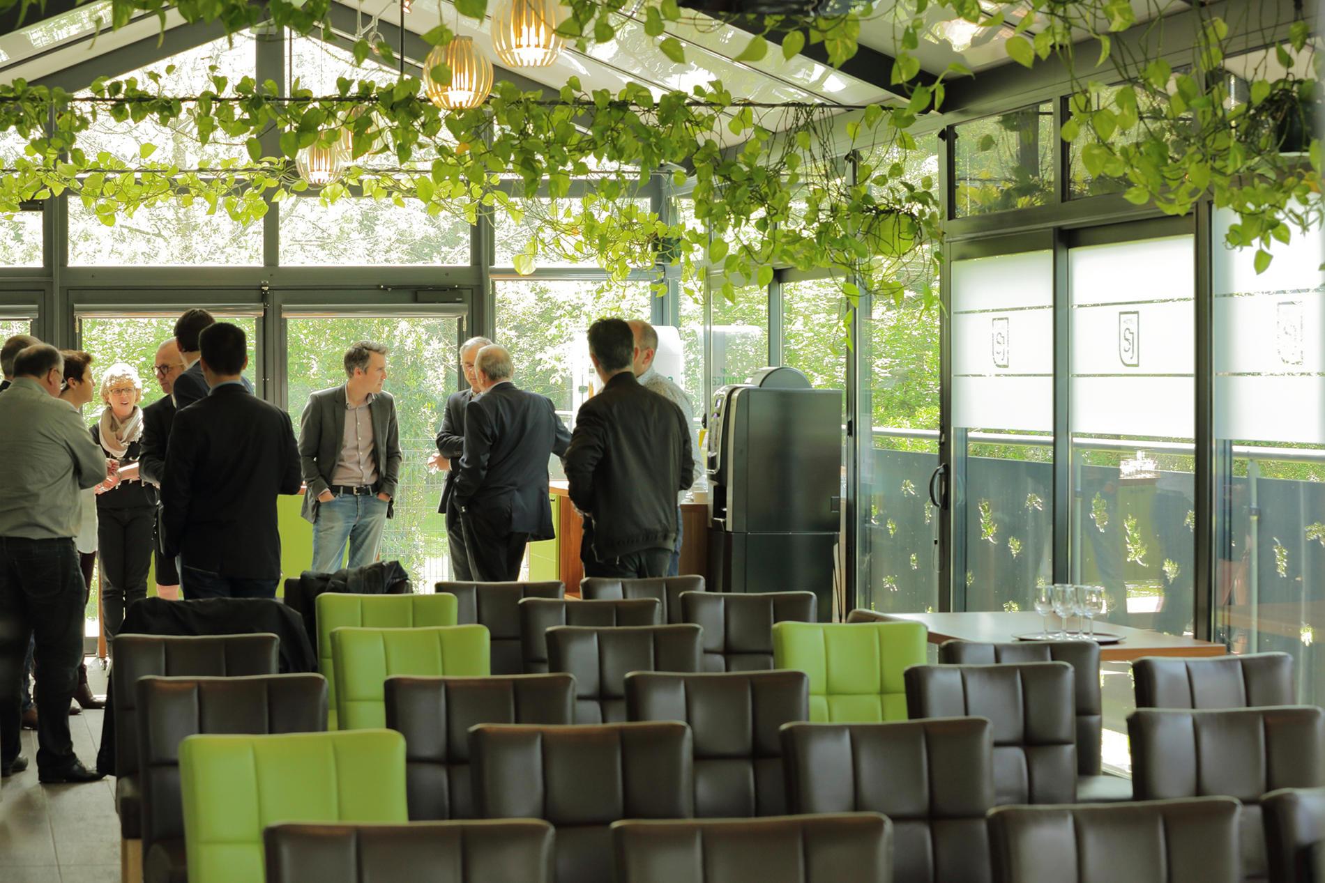 salle avec véranda pour réunion près de Nantes
