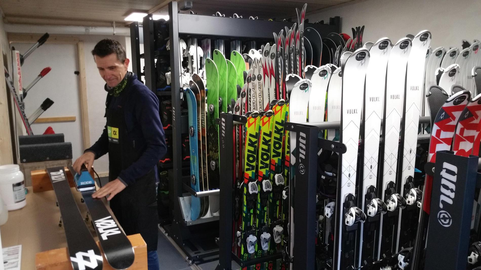 Ski shop at Chalet Hôtel La Chemenaz in Les Contamines-Montjoie