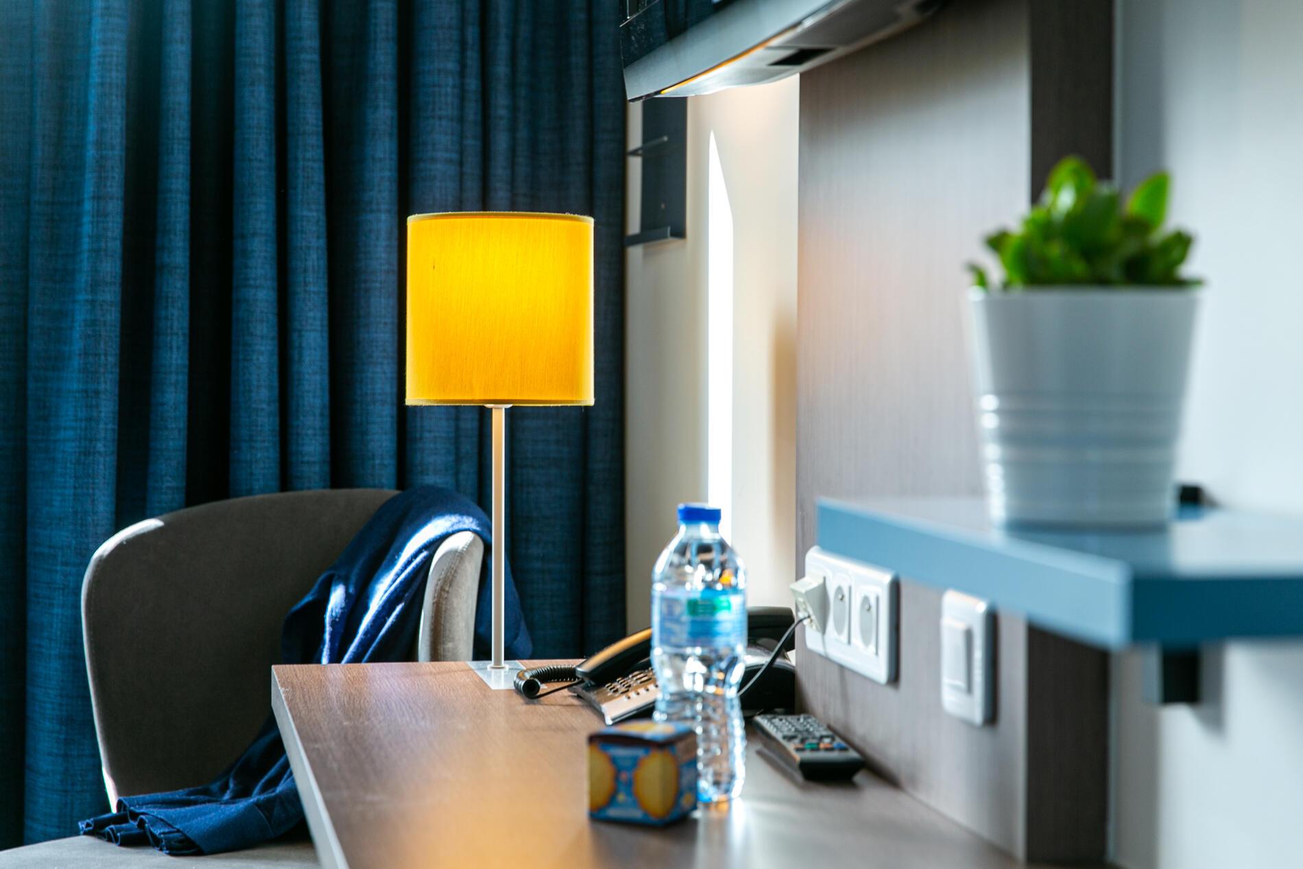 Détail chambre classique et confort décoration graphique et tend