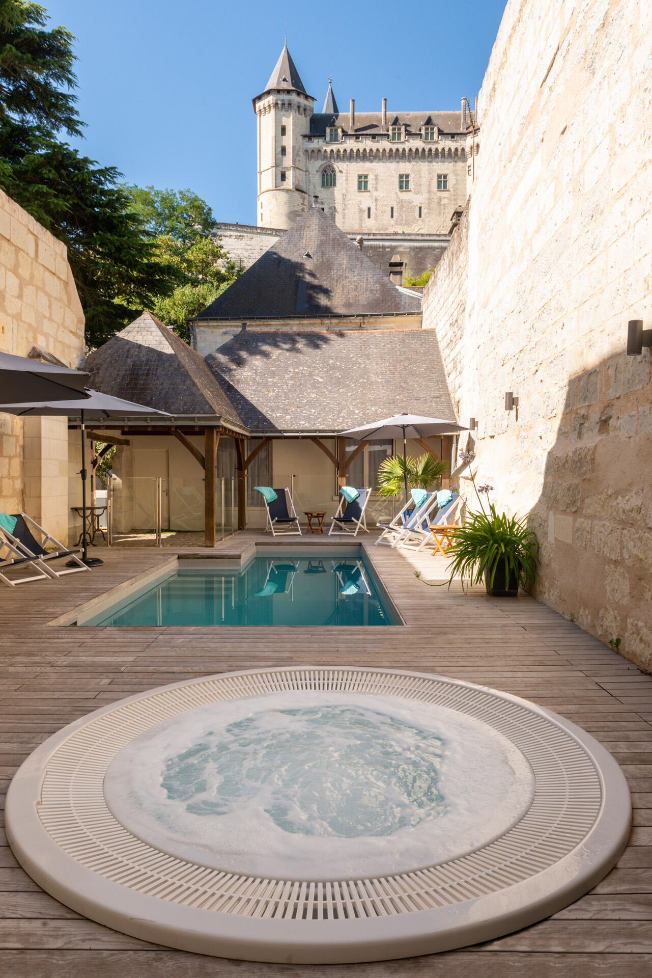 Pool at Hotel Anne d'Anjou in Saumur, France