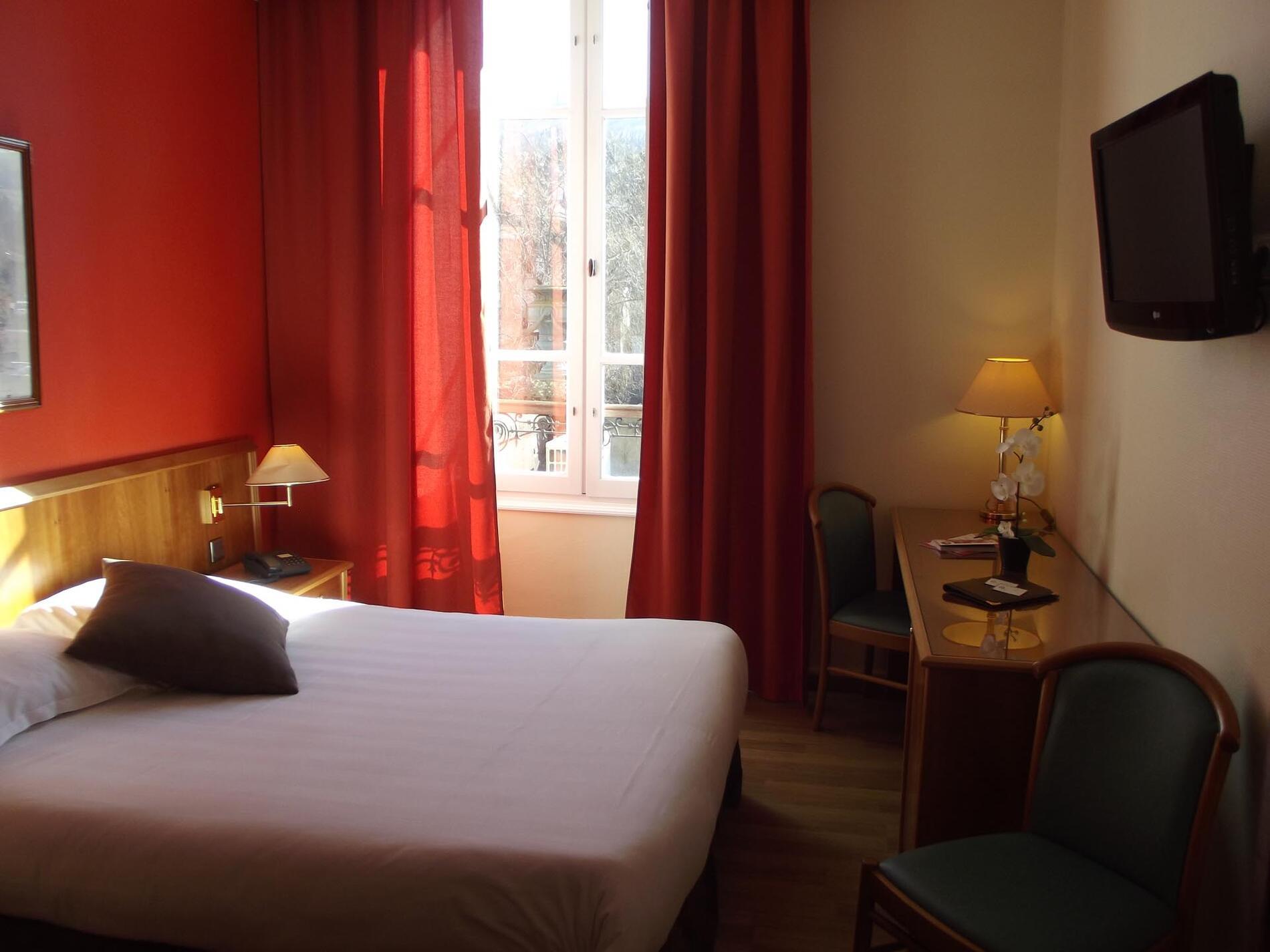 Room at The Originals Boutique, Grand Hôtel Saint-Pierre