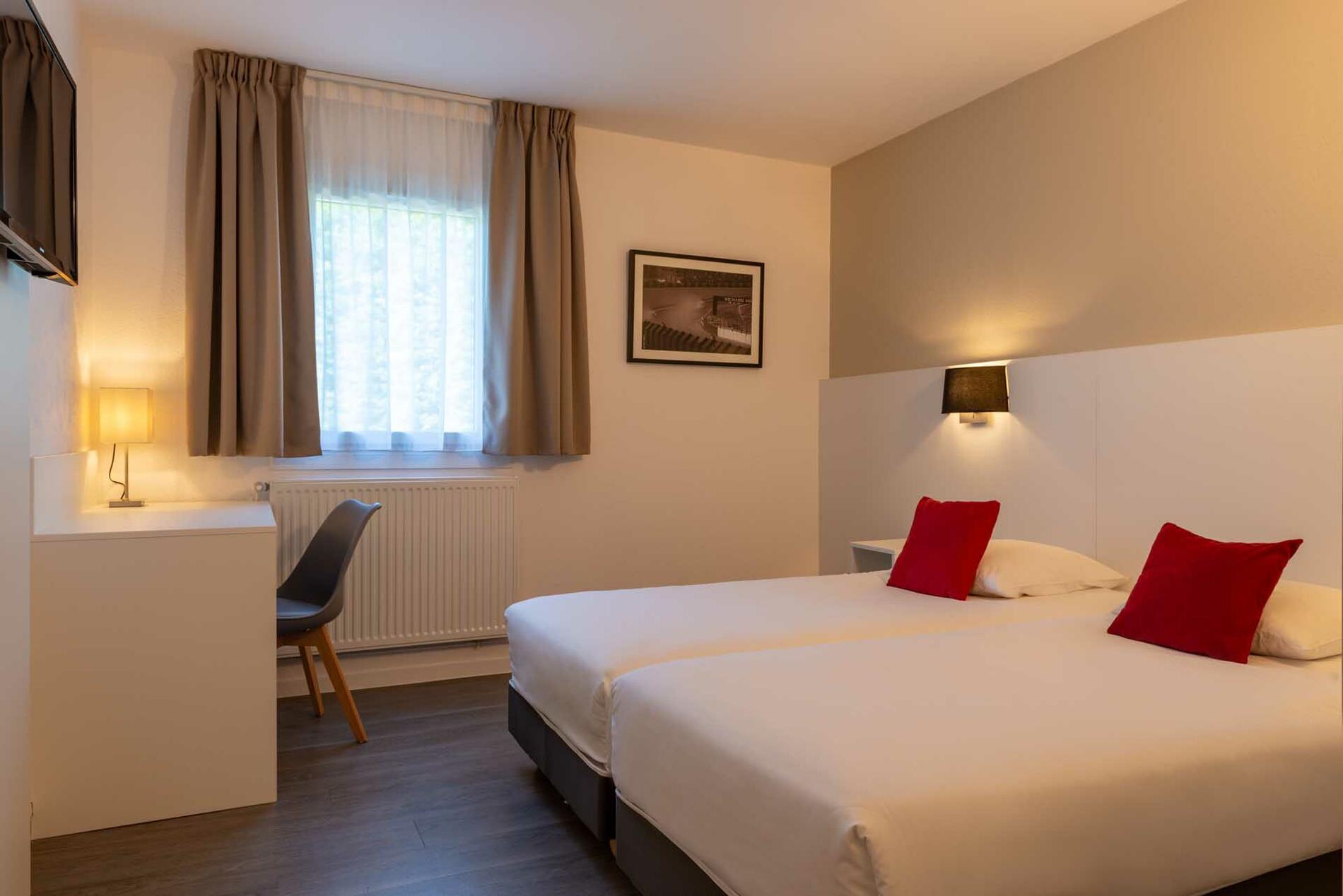 Accommodation at Acropole Hôtel