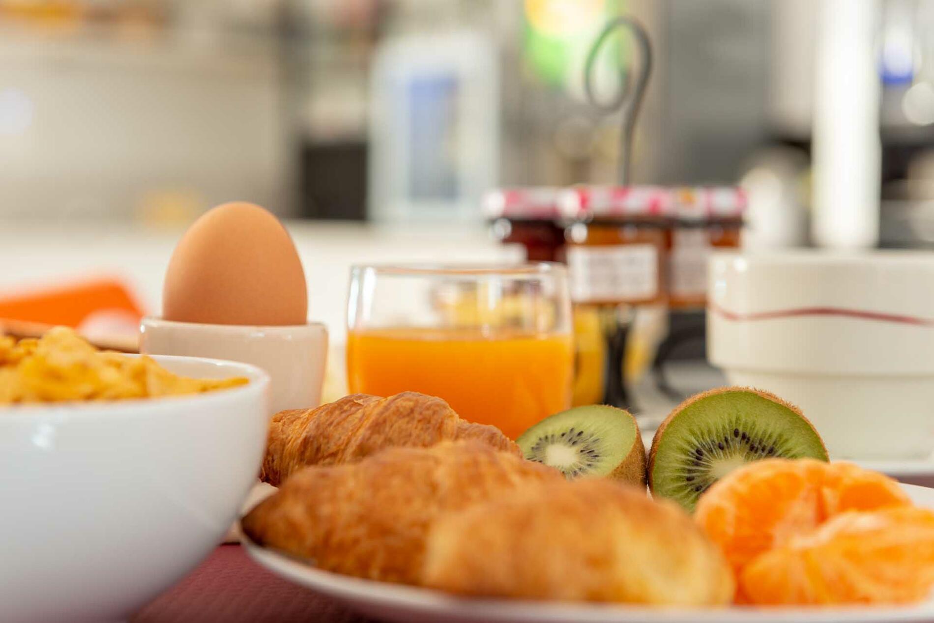 Breakfast at Acropole Hôtel