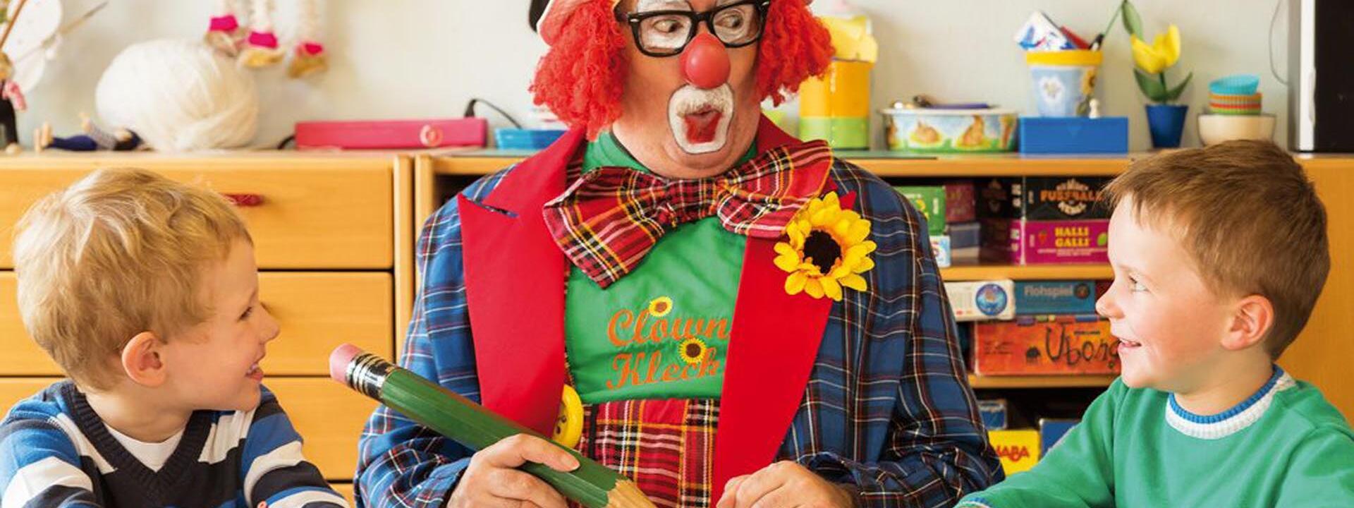 kids club with clown at Precise Resort Marina Wolfsbruch