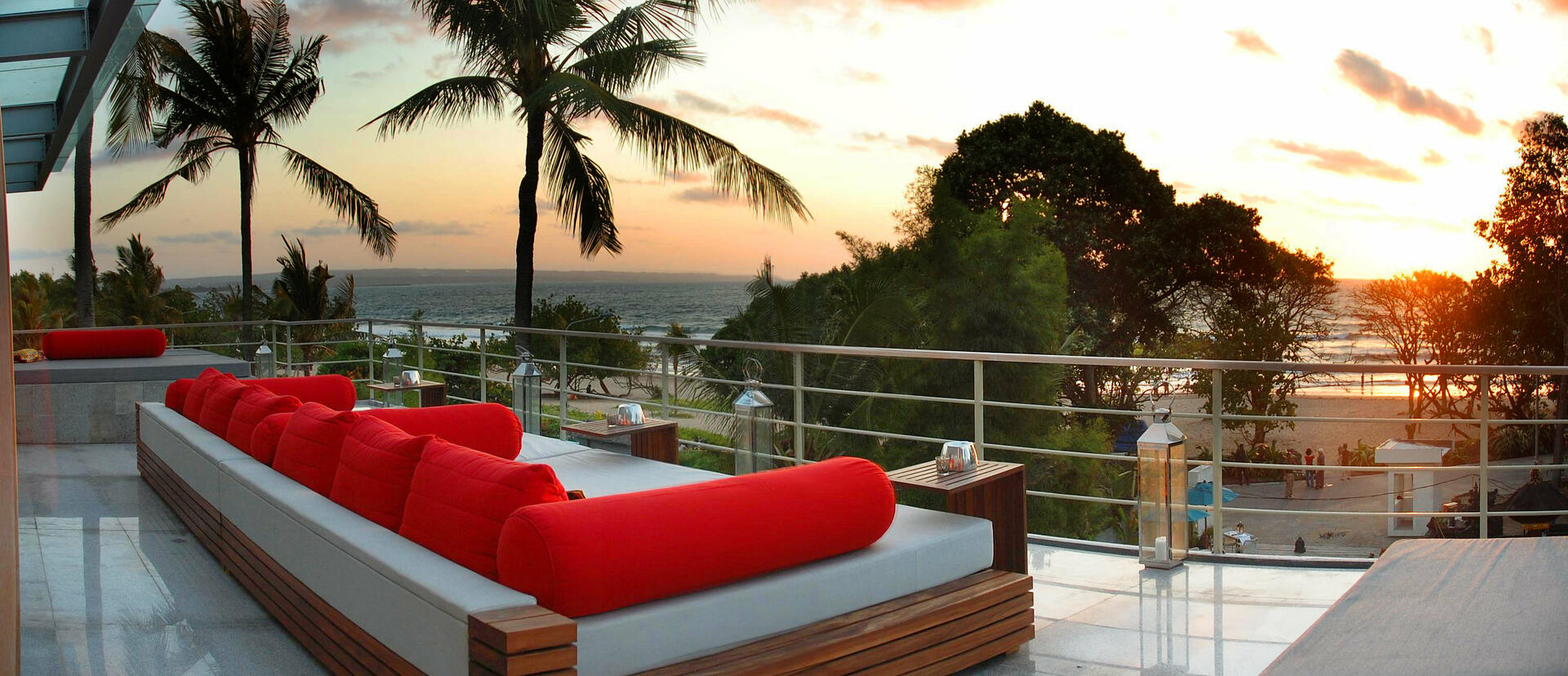 Away Bali Legian Camakila_TAO Rooftop