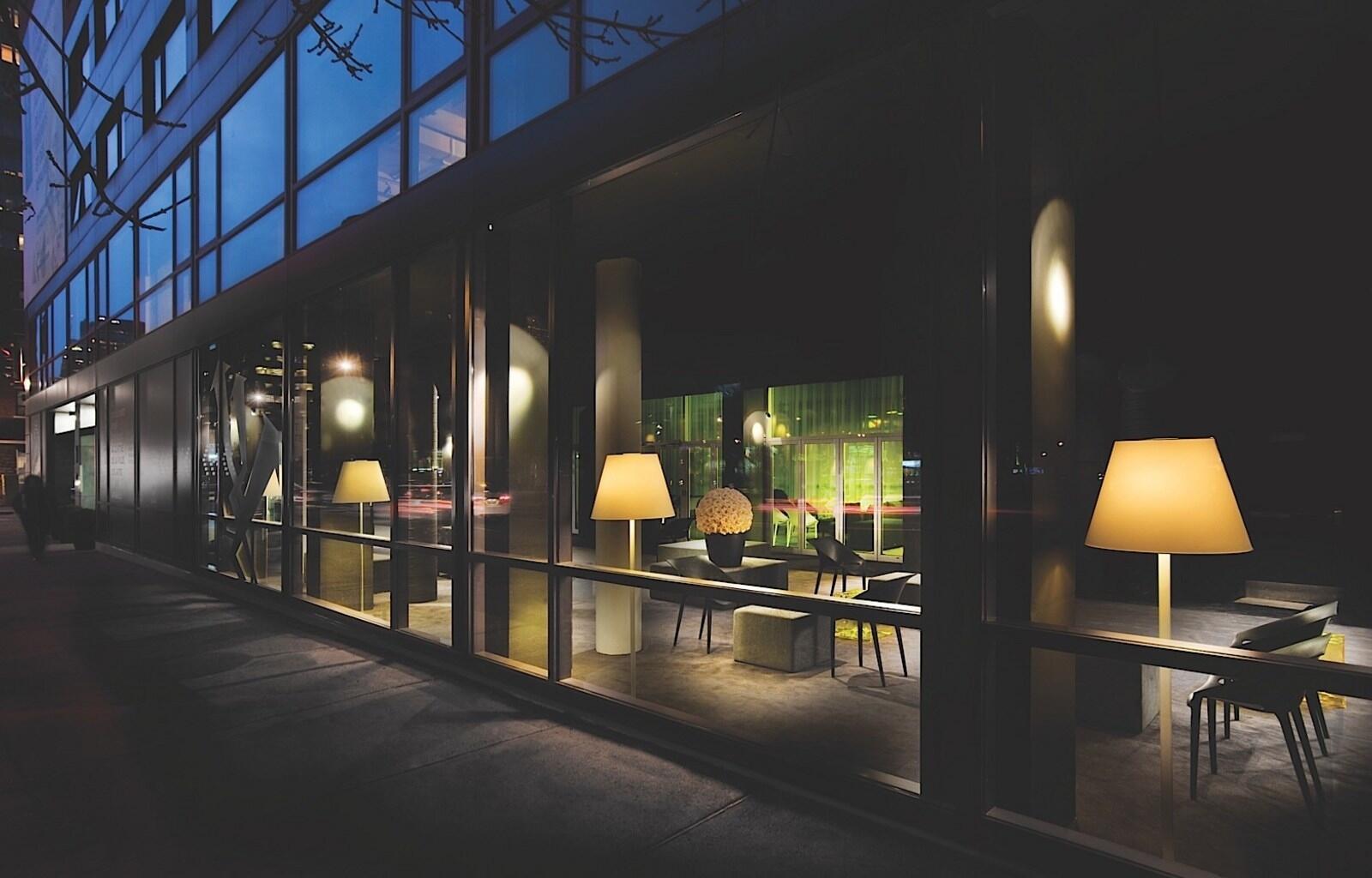 Hotel ZERO1 Lobby at Night
