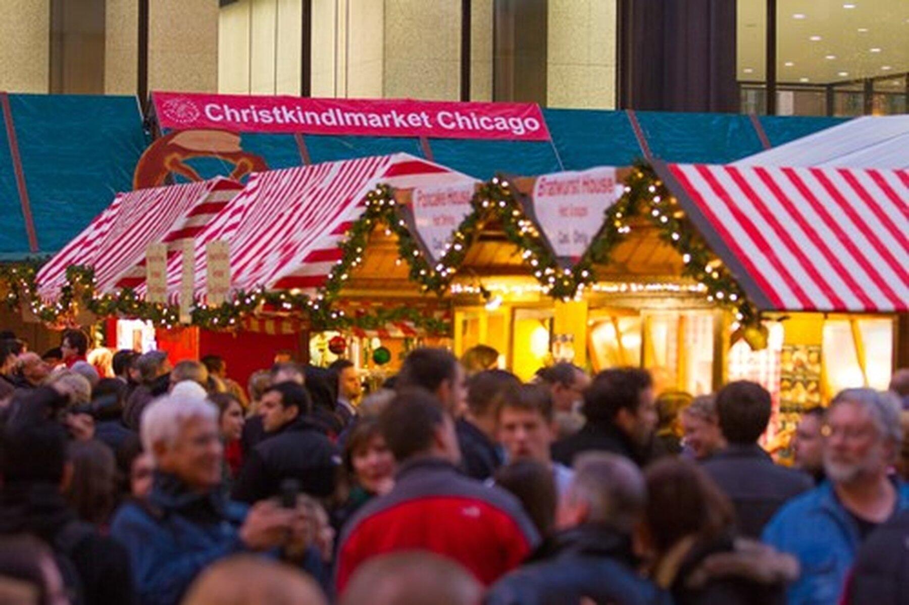 Crowd at ChristkindlMarket