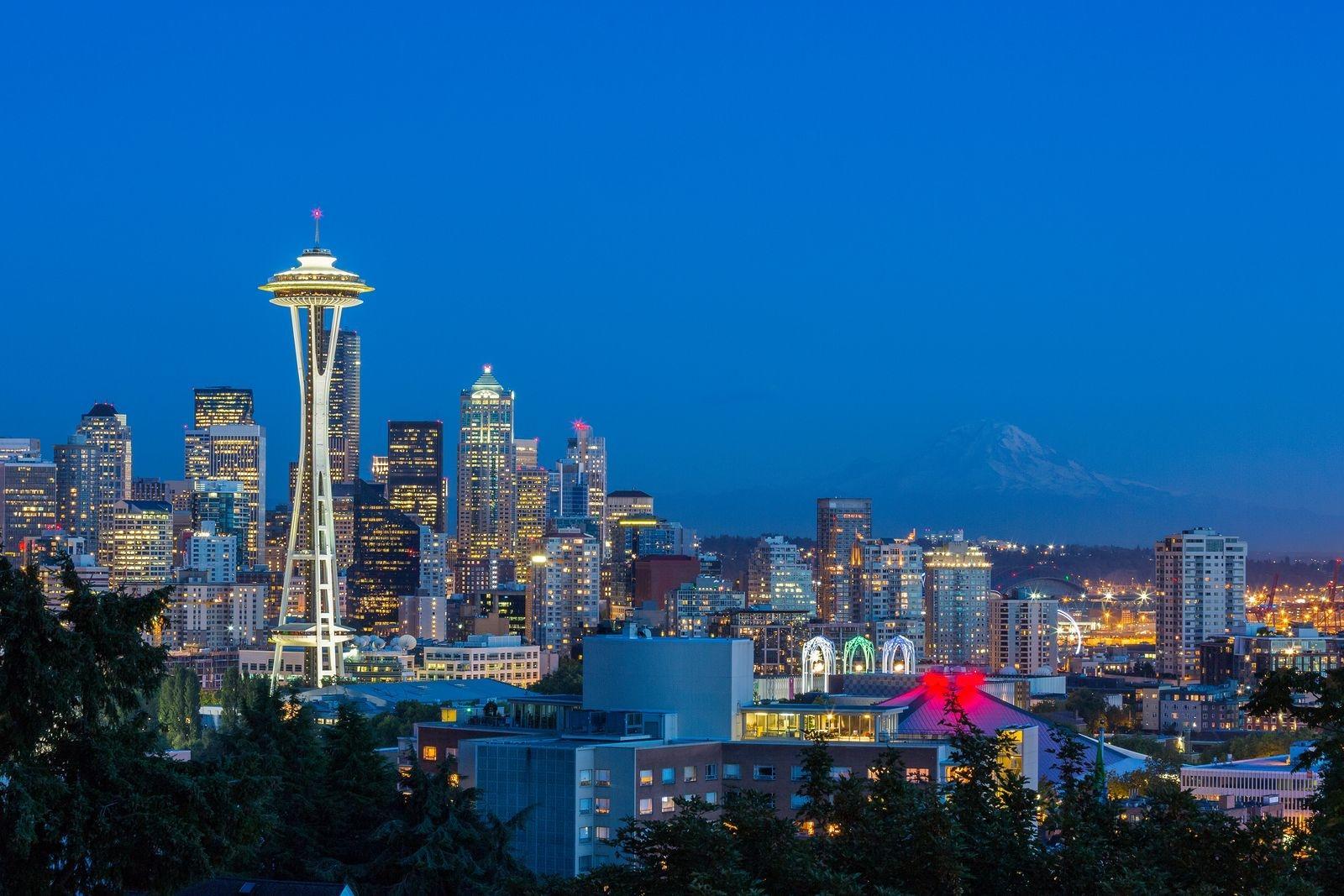Seattle skyline at dusk