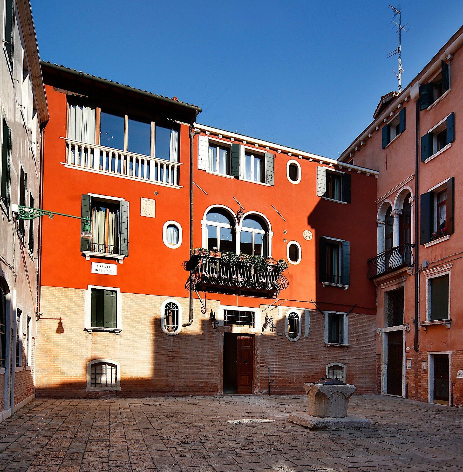 Hotel Bisanzio in Venice, Italy