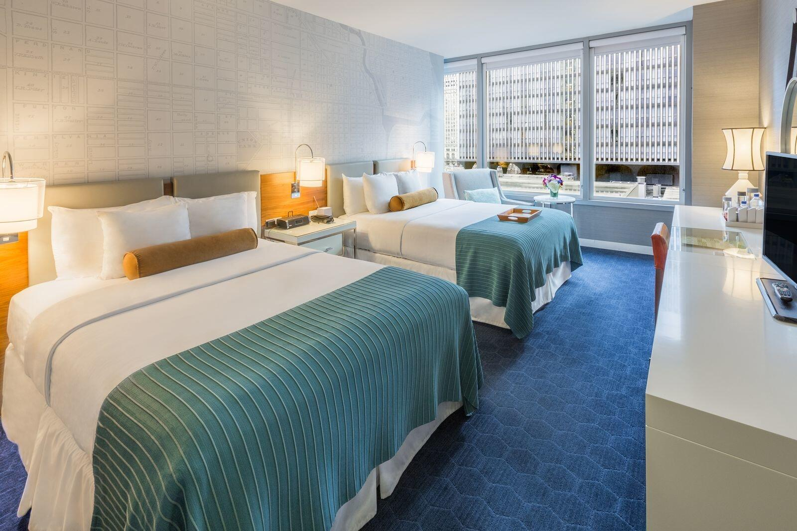 Kinzie Double Queen Room with City View