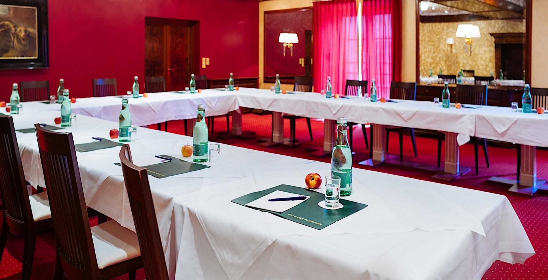 Meeting Room Spiegelsaal I at Romantik Hotel Schloss Pichlarn, A