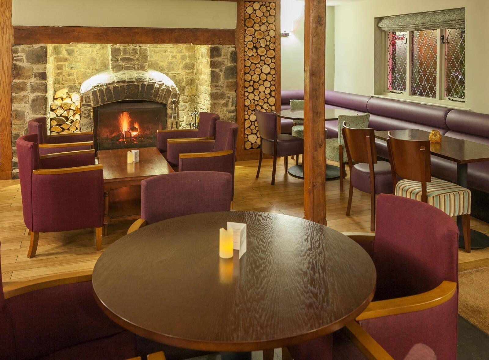 Woodford Bridge Country Club Restaurant and Bar Seating Area