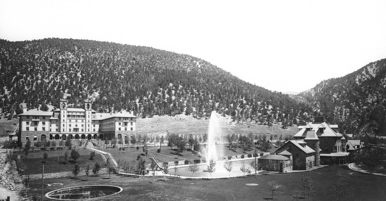 Hotel Colorado and Glenwood Hot Springs in 1893