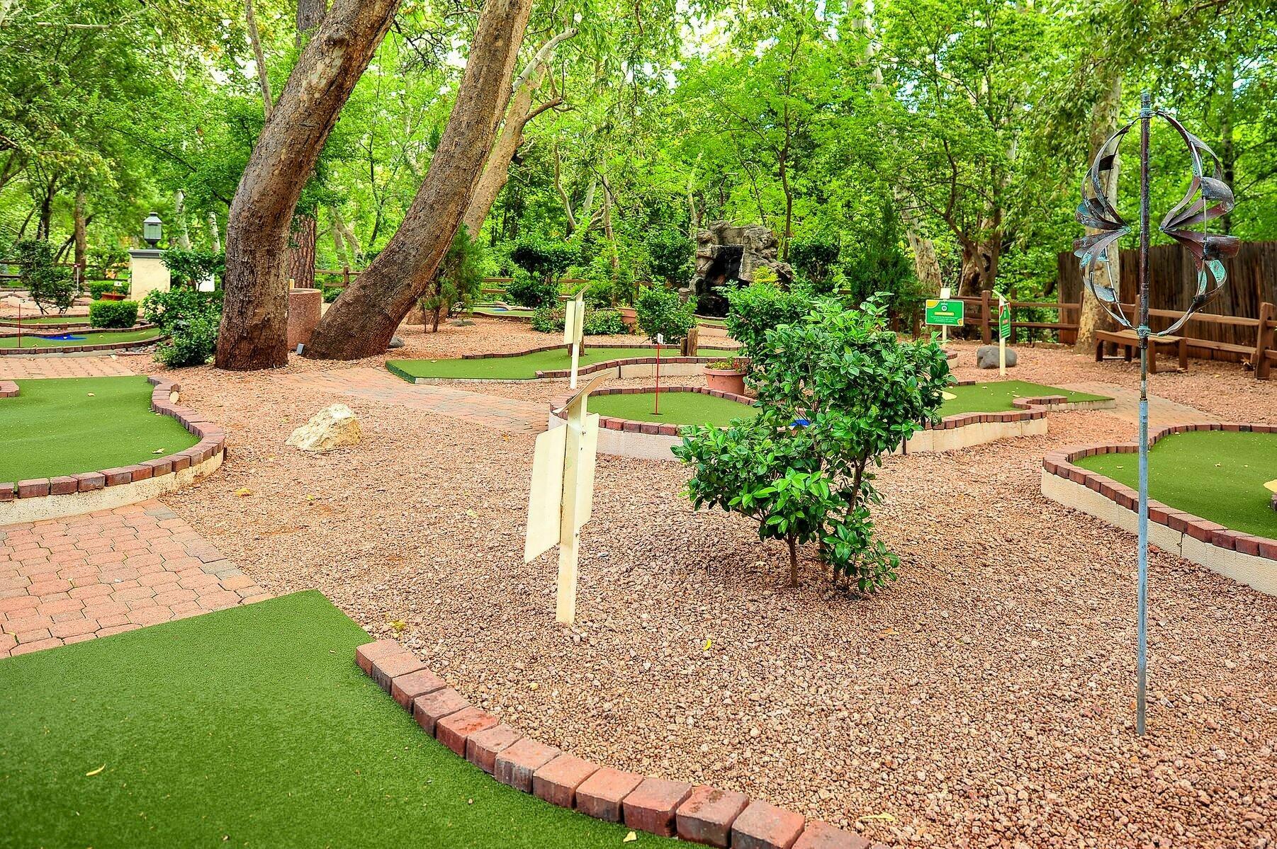 Los Abrigados Resort Mini Golf