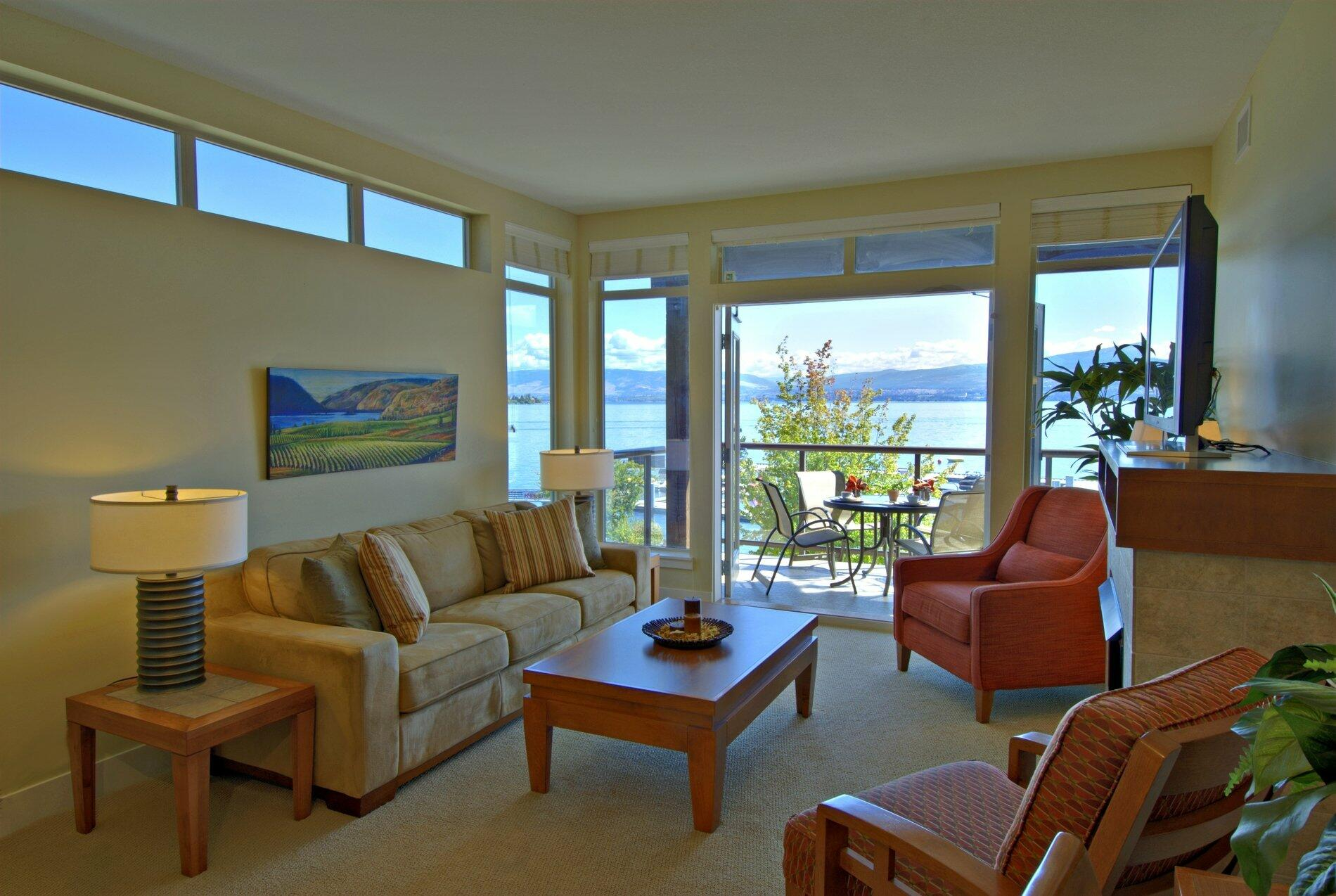 Cove suite living room lakeview