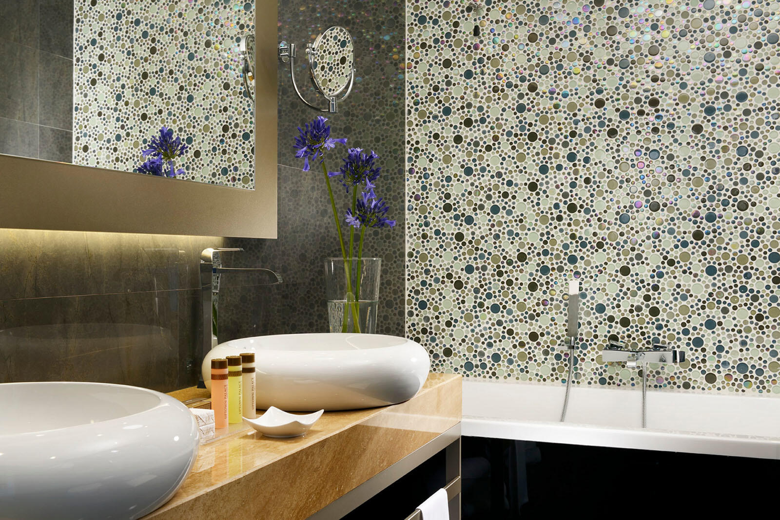 Executive Suite Bathroom at Uptown Palace in Milan