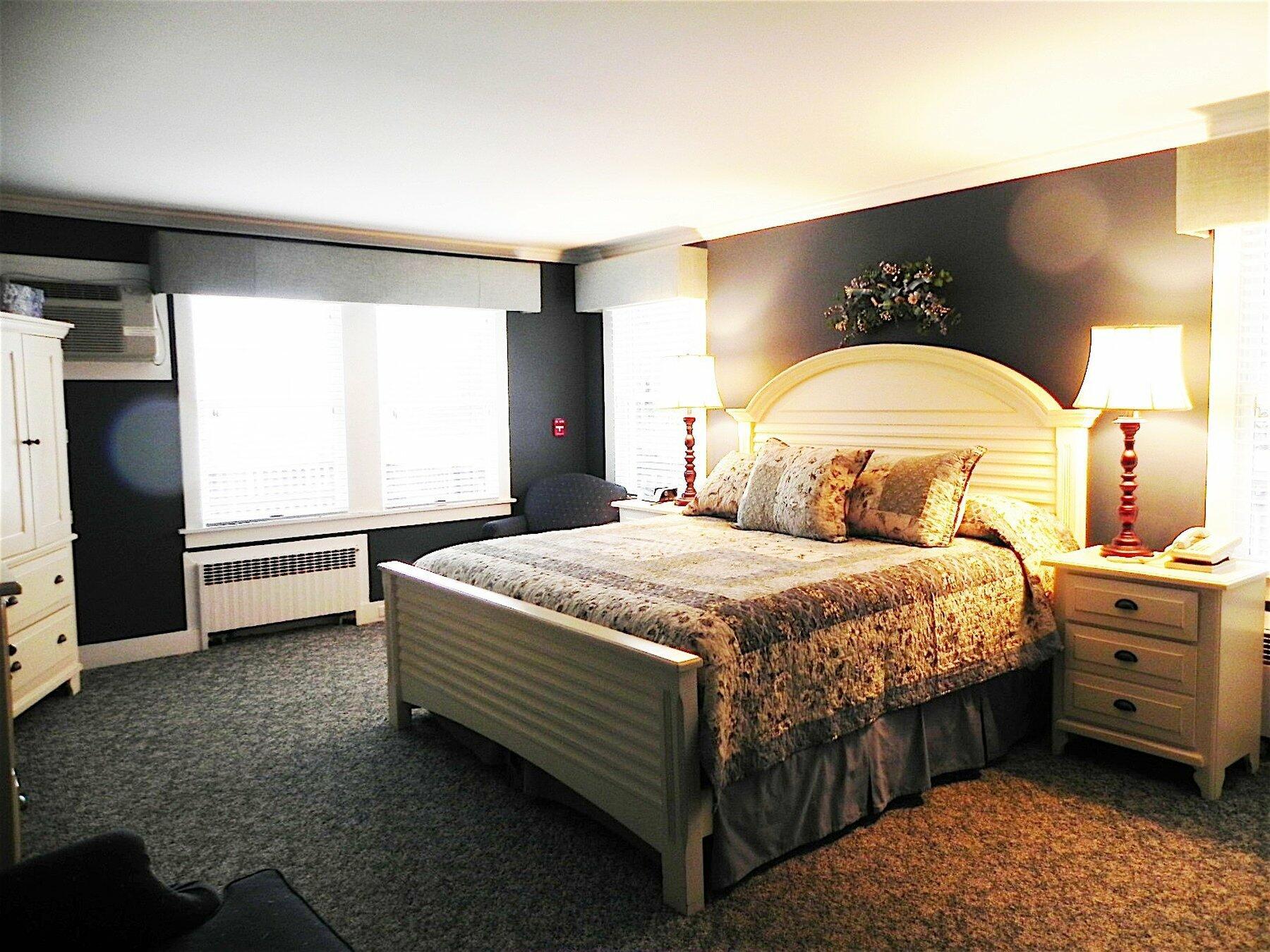 suite queen bed