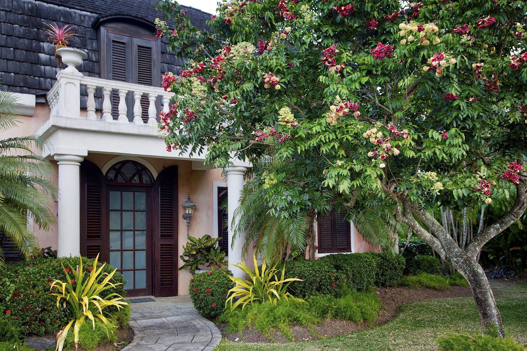Exterior of Trinidad Villa