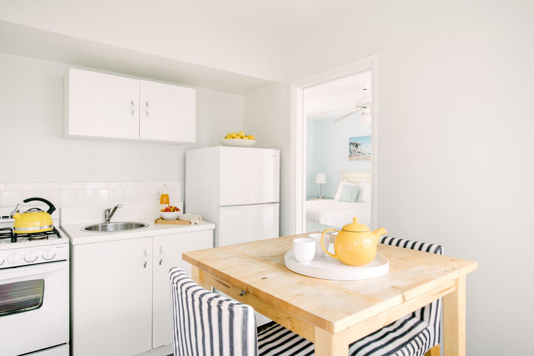 Kitchenette in spacious hotel room