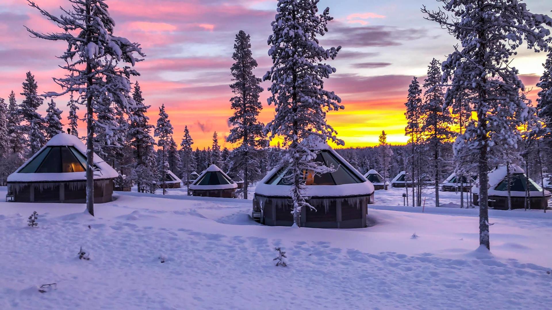 Glassroof accommodation at Northern Lights Village in Saariselkä