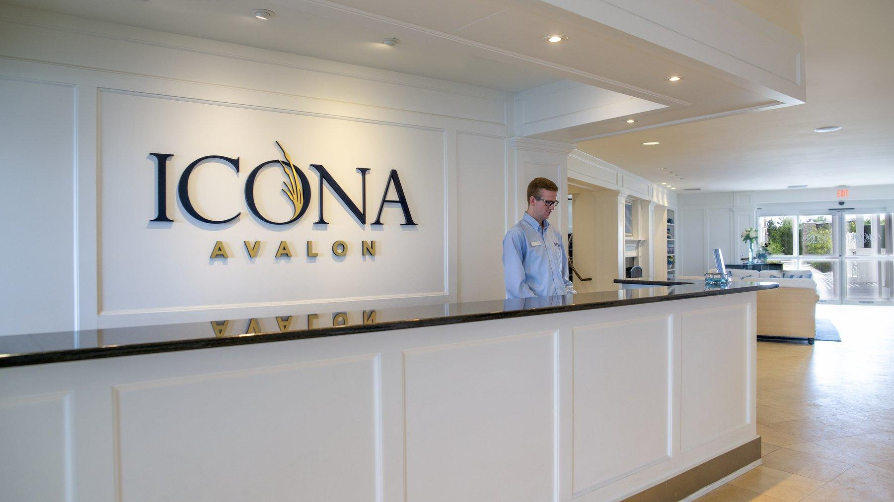 Front Desk Avalon