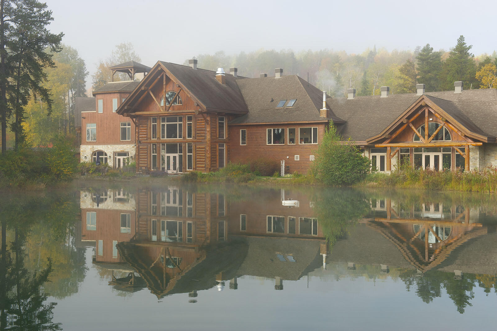 Exterieur dans Auberge du Lac Taureau, The Originals Relais