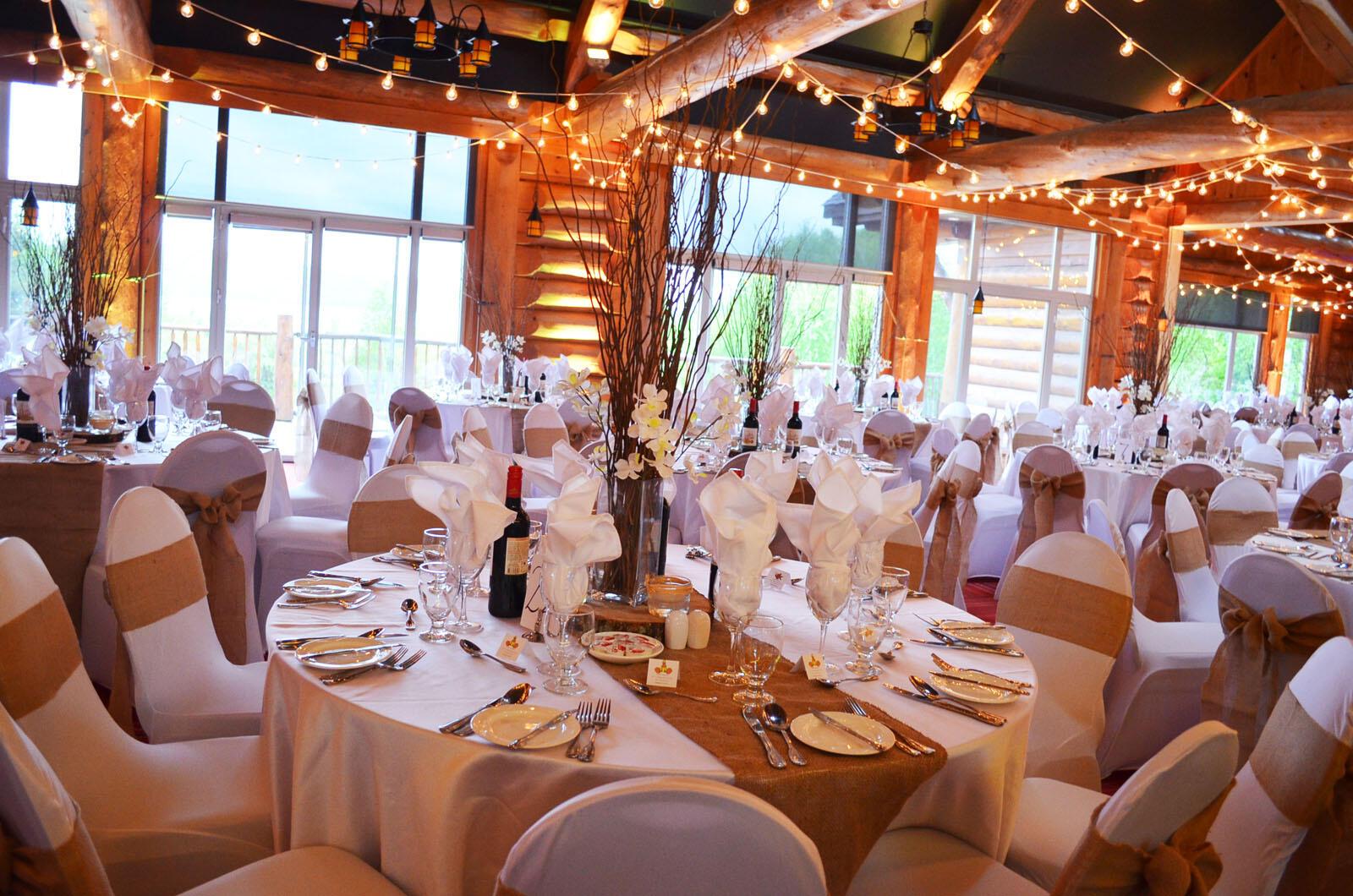 Salle Reunion dans The Originals Lac du Taureau