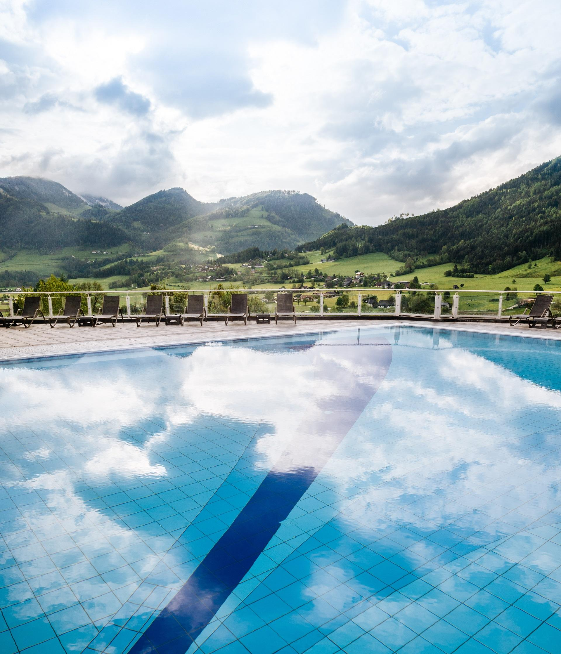 Outdoor Pool at Schloss Pichlarn