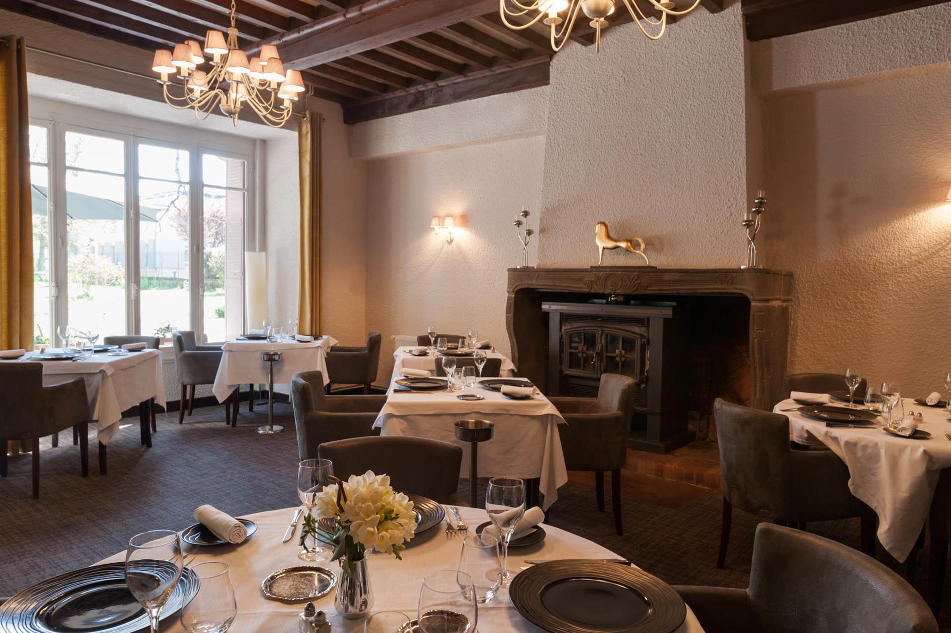 le restaurant de l'hôtel Clos St Elois, The Originals Relais