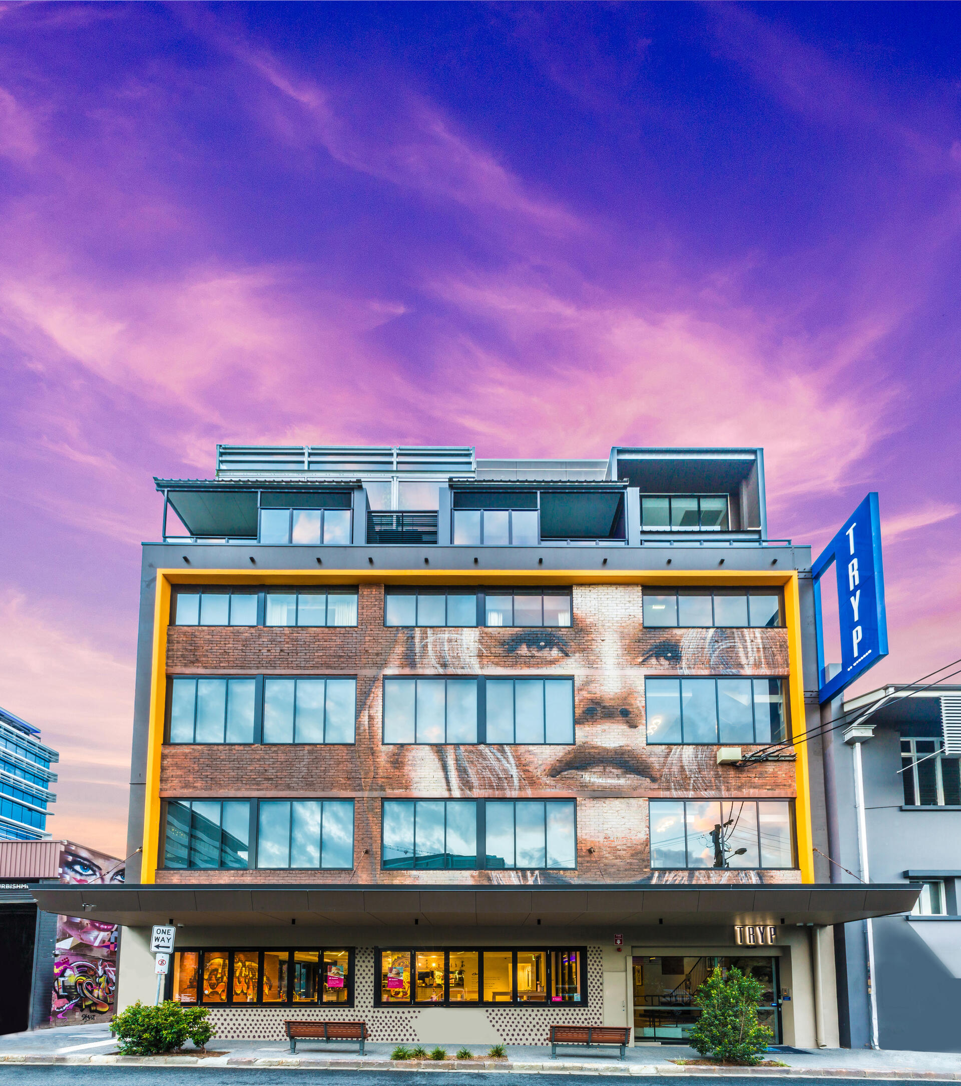 Boutique hotel in Brisbane CBD with epic street art: themed arti