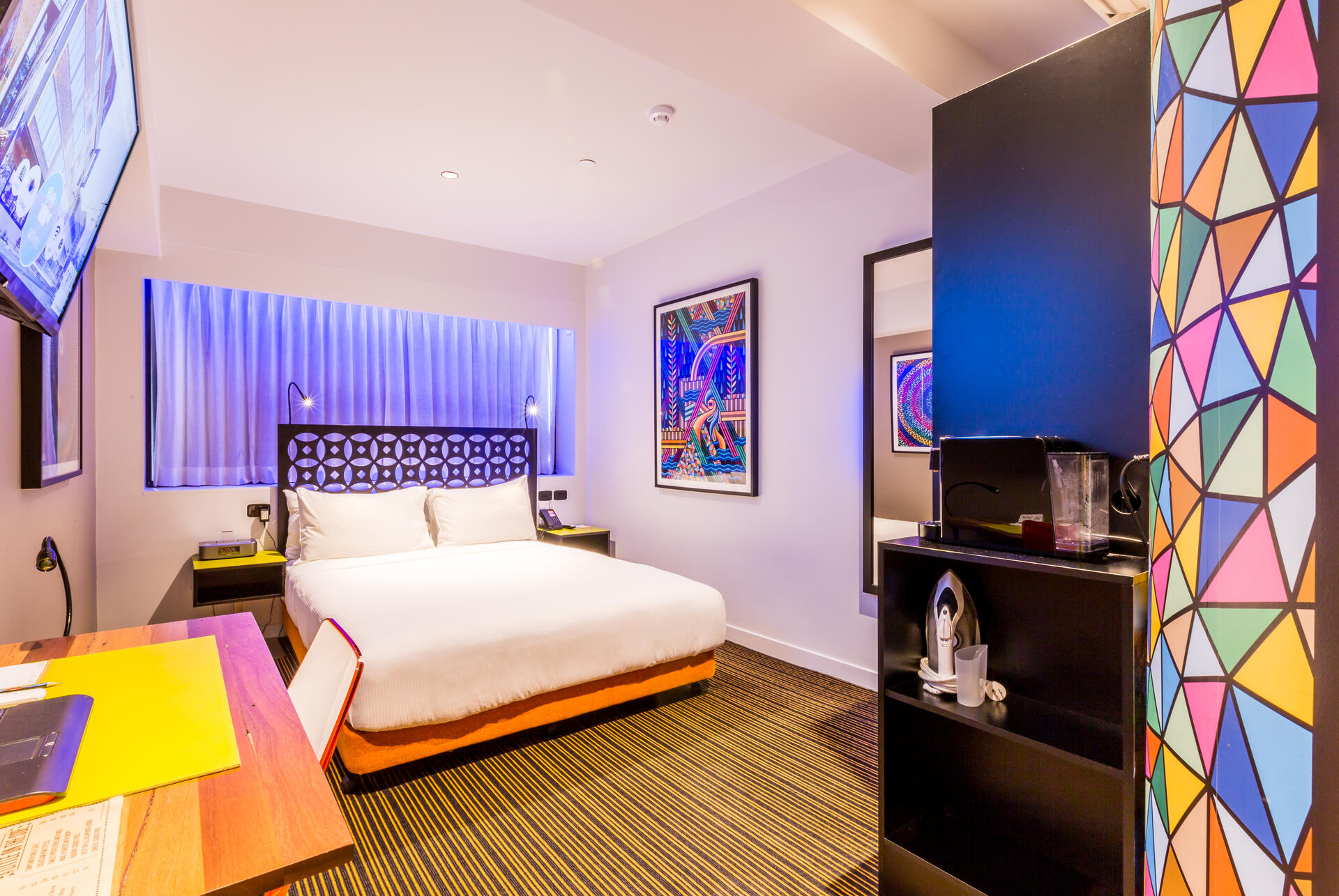 Brisbane Hotel Room with Outdoor Spa   TRYP Fortitude Valley