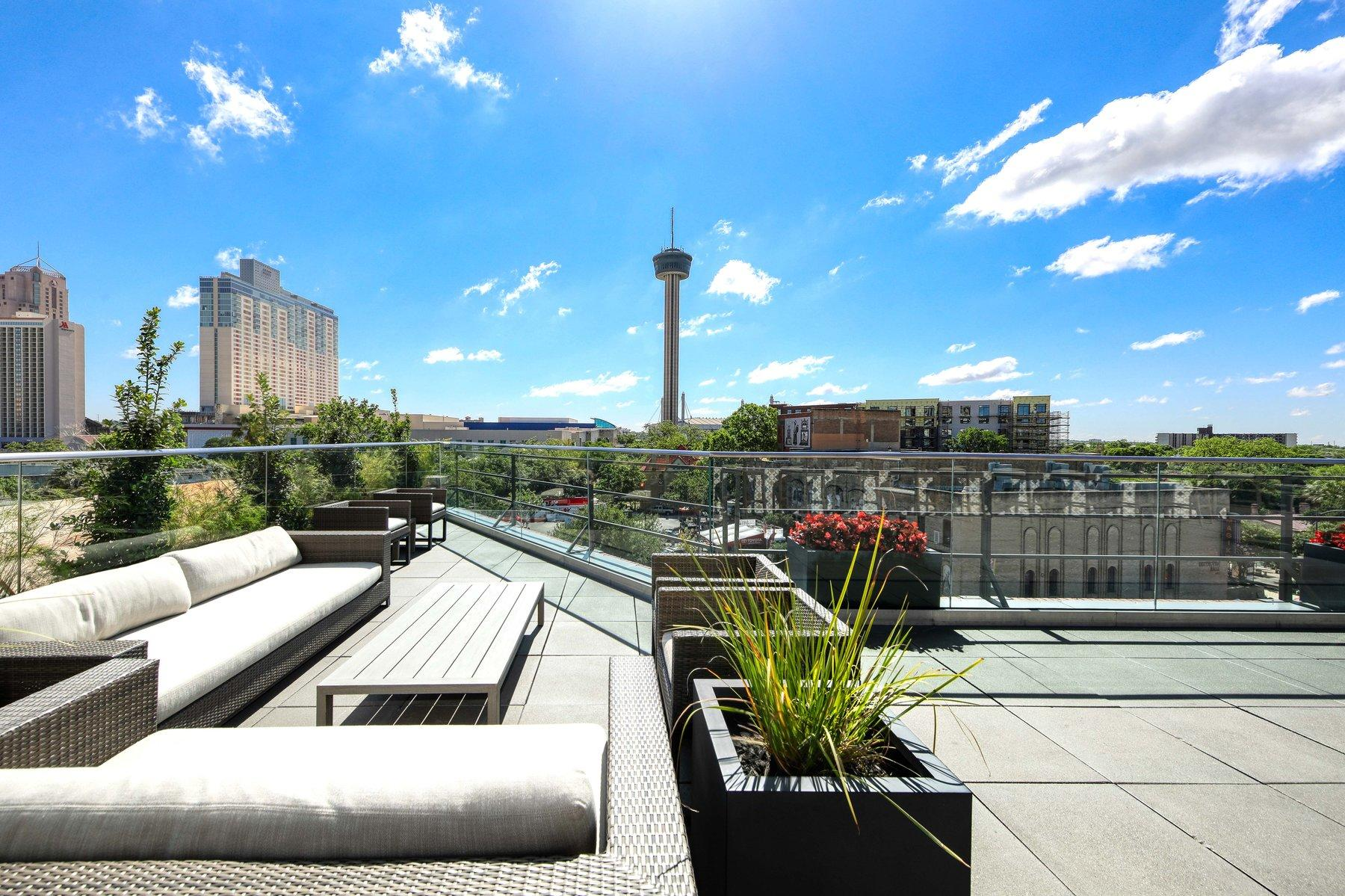 the fairmount rooftop bar