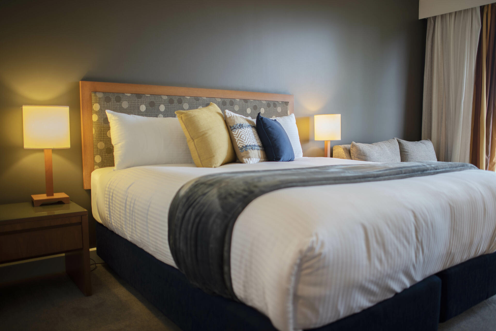 Bed in King Room - Yarra Valley Lodge