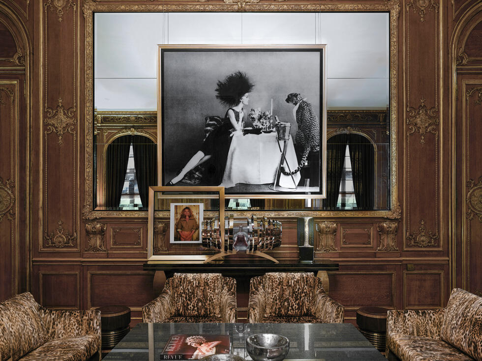 Detail at Schlosshotel Berlin by Patrick Hellmann