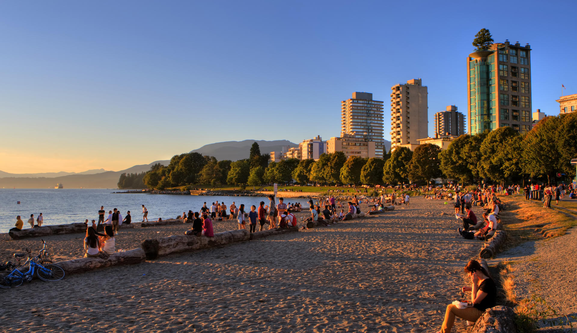 Vancouver beach at gloaming.