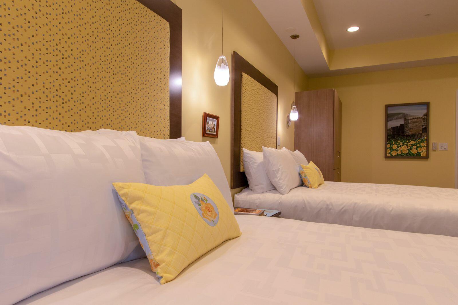 England-themed hotel room.
